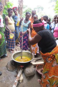 preparazione dell olio di palma e palamito cui si aggiungera il potassio ottenuto dalle cabosse