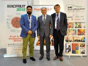 Kamal Ayoub di Ifp, Renzo Piraccini presidente di Cesena Fiera, Raul Calleja direttore di Fruit Attraction