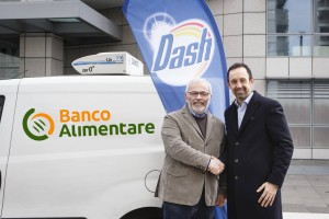 Stretta di mano_Dash e Banco Alimentare DEF