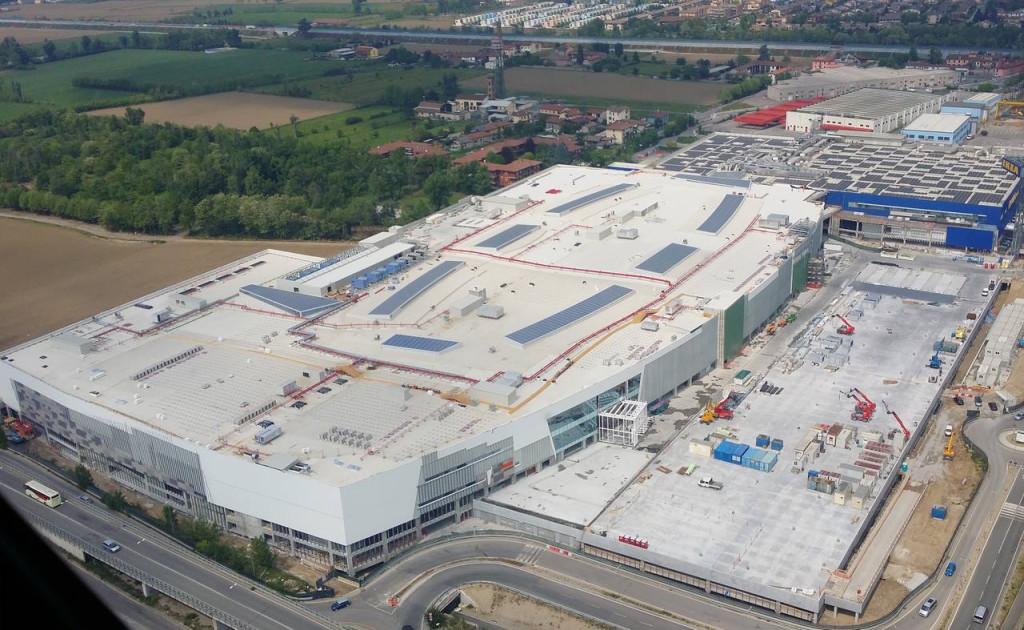 Una vista aerea del progetto di Roncadelle (Bs) ormai in dirittura d'arrivo. Ikea Centres è subentrata circa 5 anni fa a un progetto locale (Mella 2000)