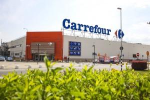 il centro commerciale Carrefour a Burolo, vicino a Ivrea (To)