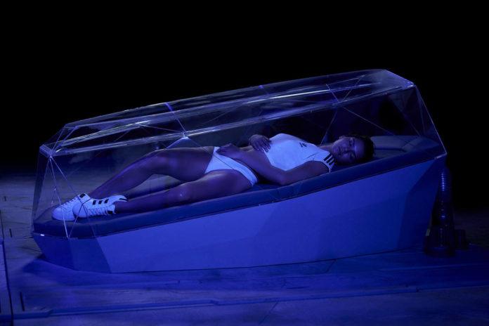 Adidas Originals, cap.III, la scena che coinvolge Kendall Jenner, Birth of Venus