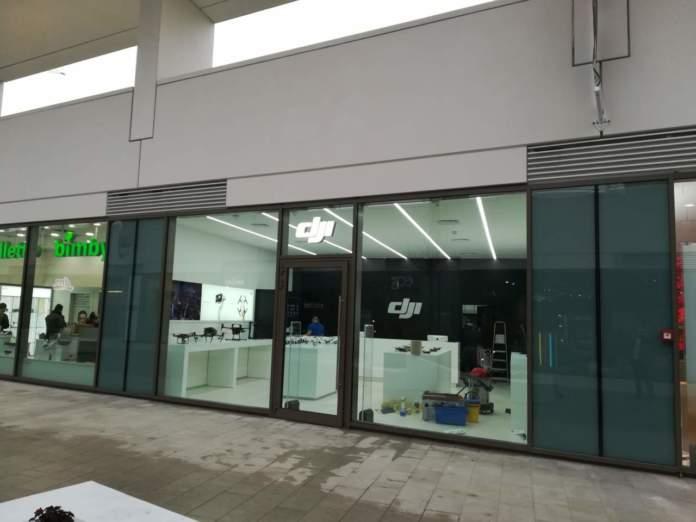 38d81068b534 DJI ha appena aperto il suo primo store italiano a CityLife (Milano),  specializzato in droni