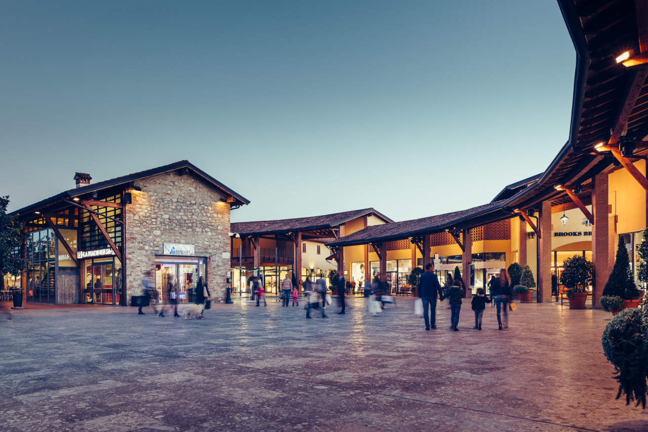 new styles 971ce f17d4 Franciacorta, boom turistico all'Outlet Village | Mark Up