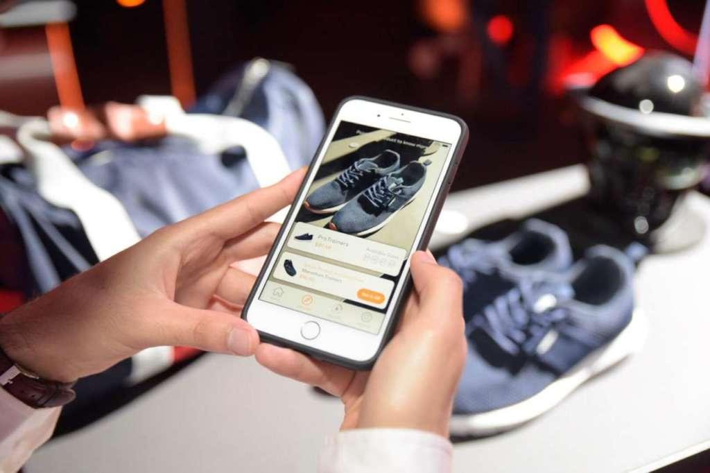 Ar instore permette di navigare tra i prodotti instore scoprendone le caratteristiche e confrontandoli