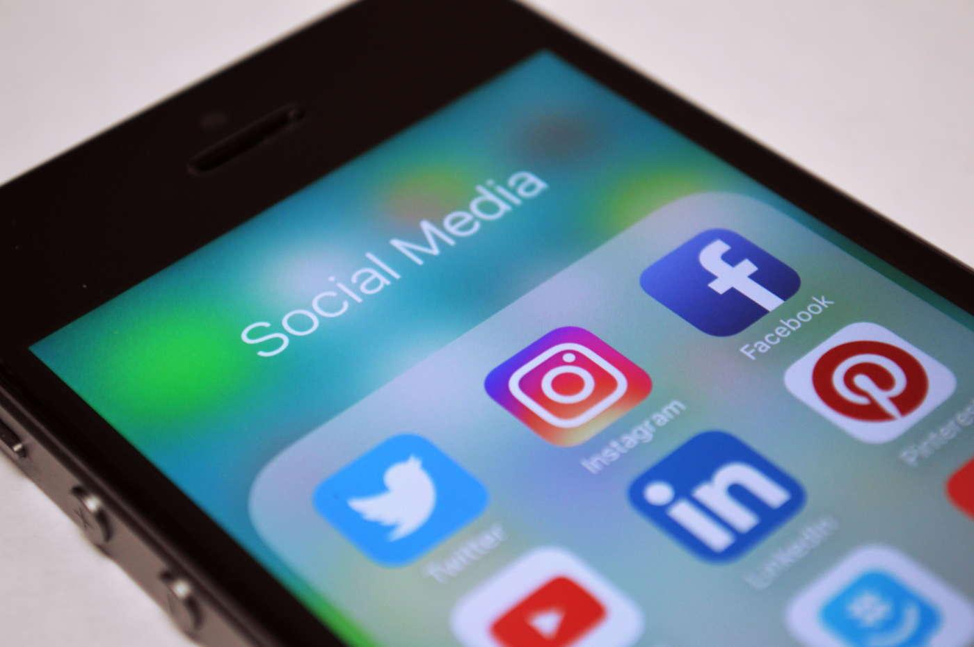 Social network a prova di manager: presenza digitale al vertice e il ...